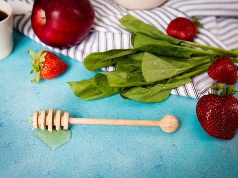 Maçã e morango podem ajudar a baixar a pressão