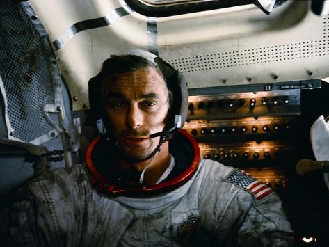 Eugene Cernan, o último homem a andar na Lua (1934-2017)