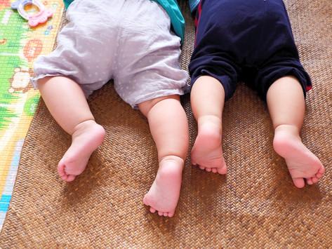 Cocô de bebês tem mais microplástico que de adultos