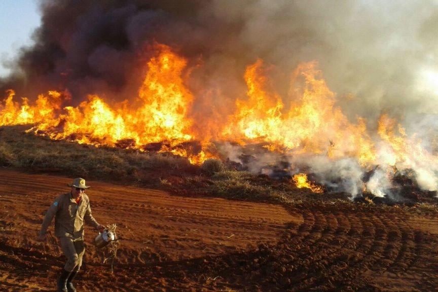Incêndio  em Amambai no Mato Grosso do Sul
