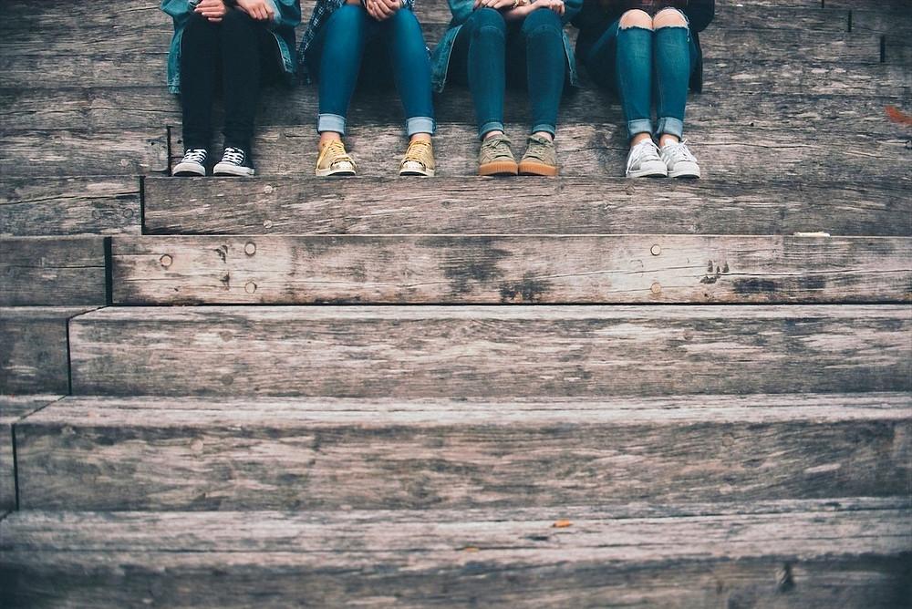 Pernas de adolescentes