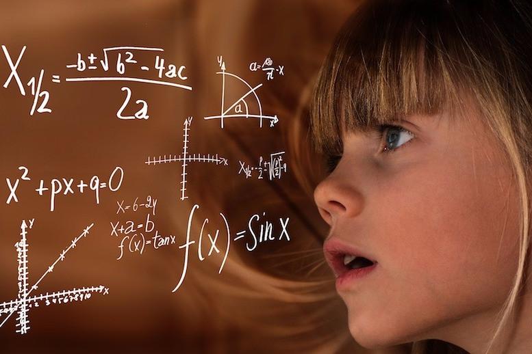 Garota e matemática