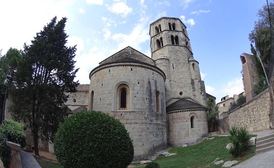 Cenas de biblioteca foram feitas em Girona, na Catalunha, no Monastério de São Pedro de Galligants.
