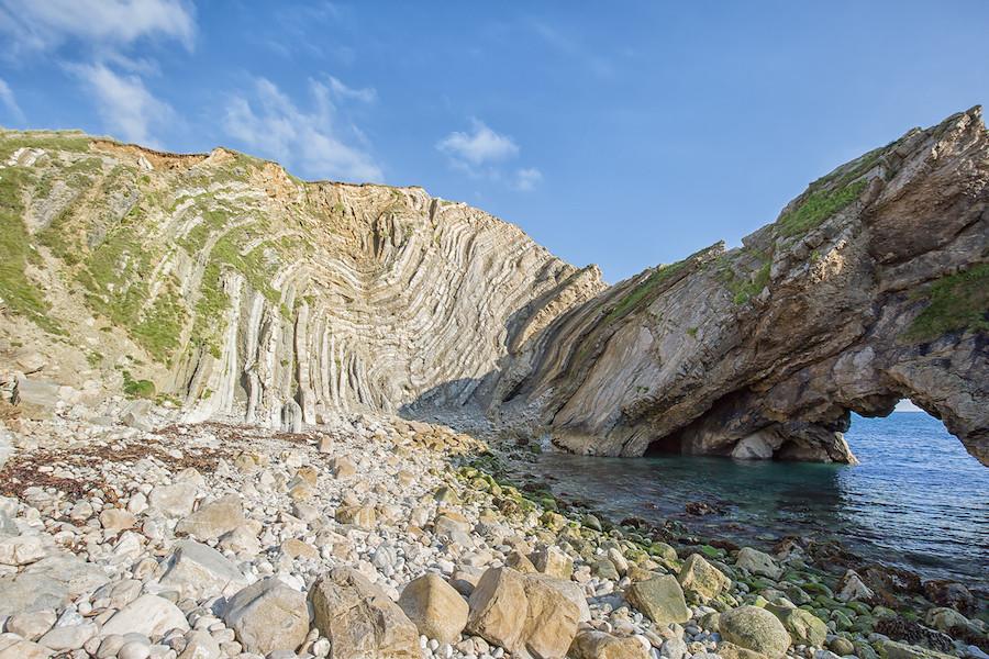 Lulworth Crumple, na Costa Jurássica em Dorset, no sudoeste da Inglaterra, perto do Canal da Mancha, por Mark Godden