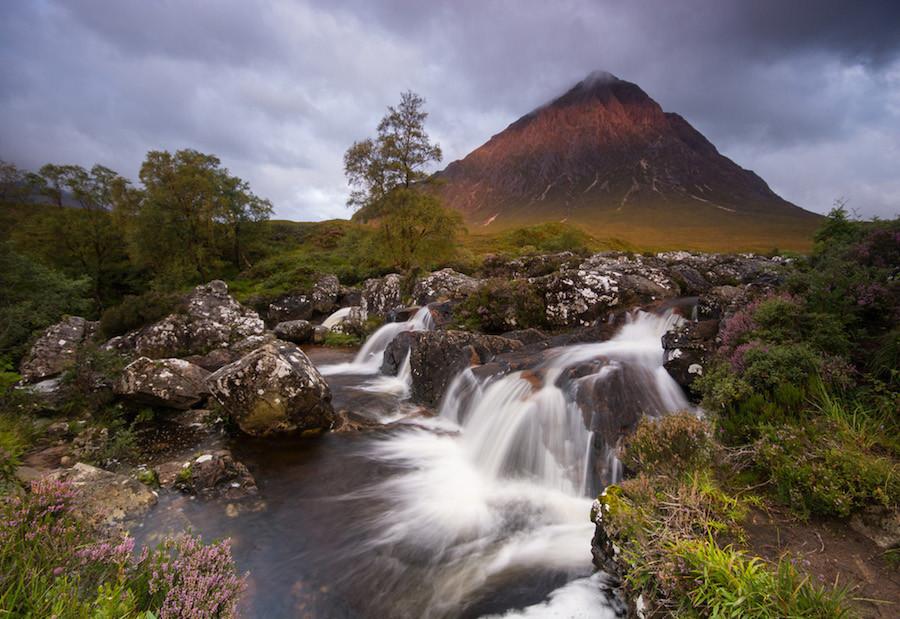 Insetos e chuva, em Glencoe, mais uma vez nas Terras Altas da Escócia, por Mark Ainsley.