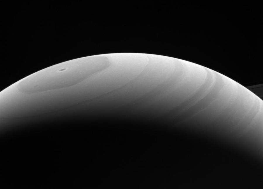 Visão do lado iluminado dos aneis, a 1,2 milhão de distância de Saturno