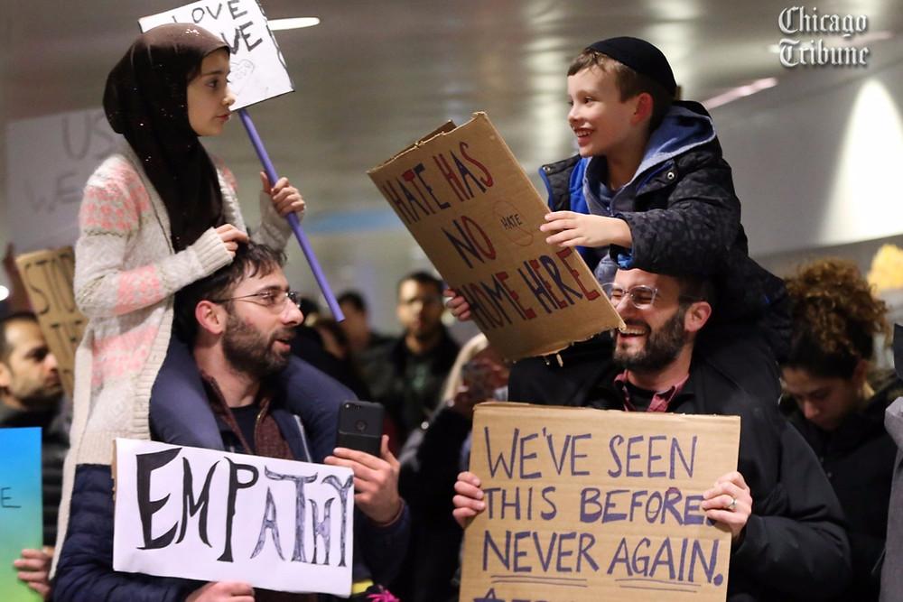 Protesto no aeroporto de Chicago