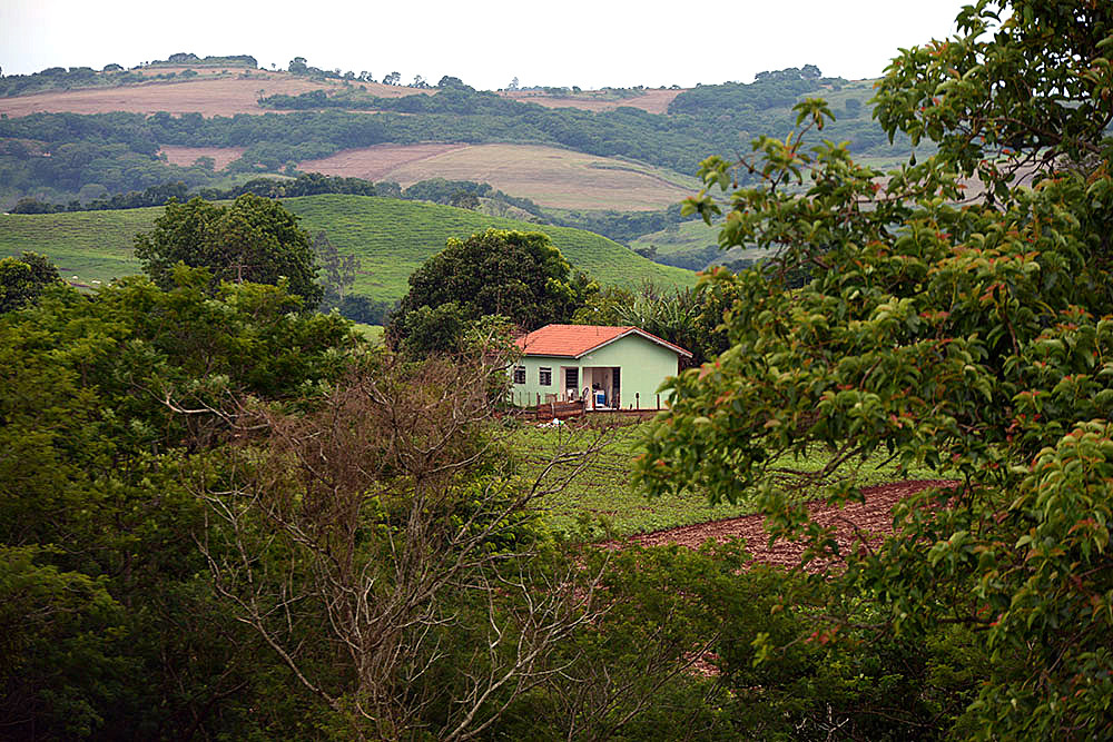 Casa na zona rural do Paraná