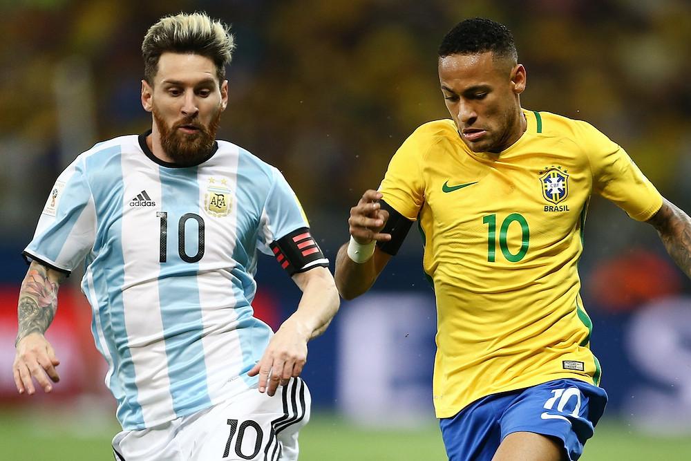 Messi e Neymar com suas seleções