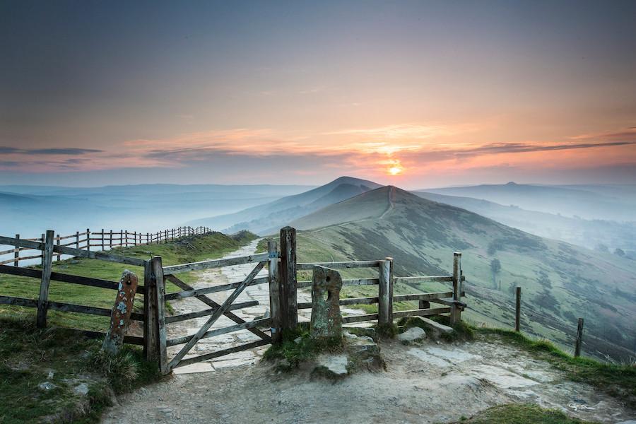Mam Tor, no condado de Derbyshire, na Inglaterra, por Wayne Brittle