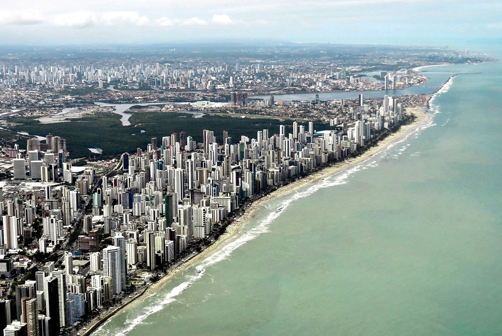 Recife à beira do mar