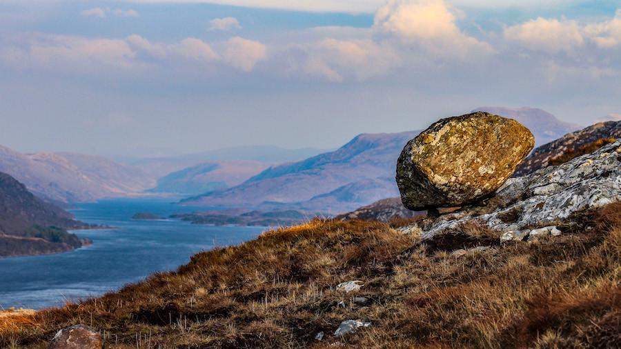 Segundo prêmio: penhasco em Loch Maree, também nas Terras Altas da Escócia, por Emma Smith