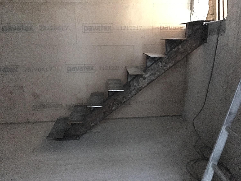 Fast fertige Treppe