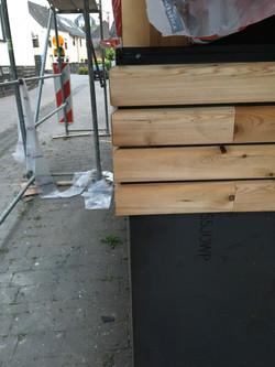 Lärchenholz & Cortenstahl
