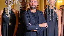 Dai Reali di Dubai alla Parigi Fashion Week Giuseppe Fata diventa icona dell'arte sulla testa