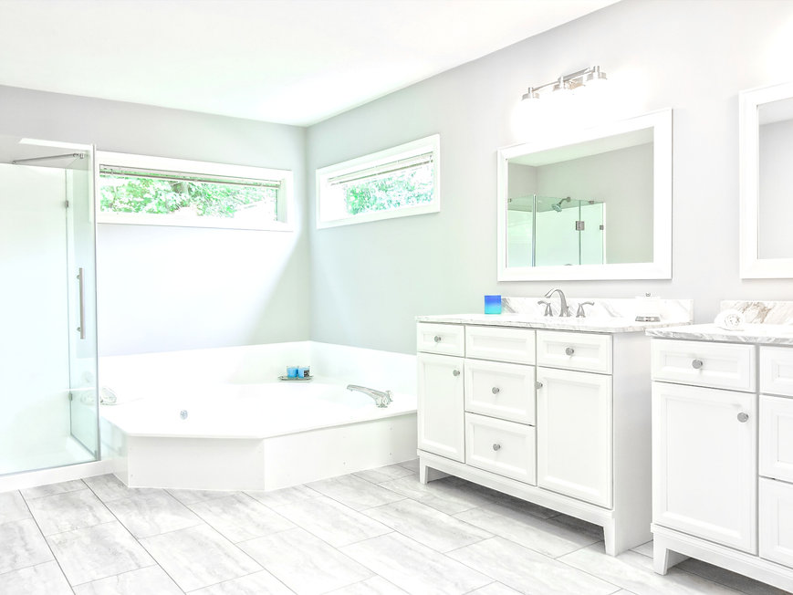 Luxury%20bathroom%20with%20stand%20up%20