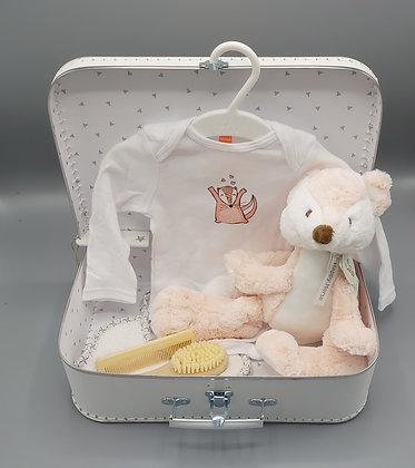 Cadeauset - wit koffertje  met vosjesknuffel, body en borstelset