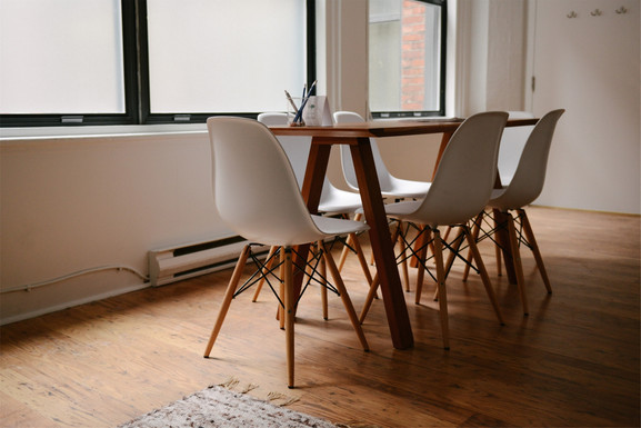 table-629772.jpg
