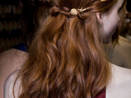 How to accessorize your hair