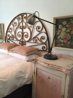 Main bedhead