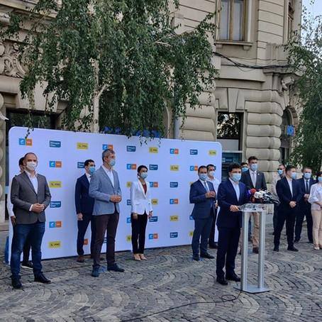 """Prietenia politică determinată de context și nuanțele din care e compus """"fumul alb"""" de la București"""