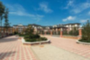 В АЗарово построены две школы для начальных и старших классов. В скором времени они заработают