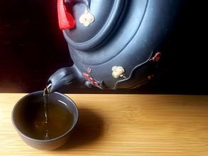 Différence entre le thé vert et thé noir