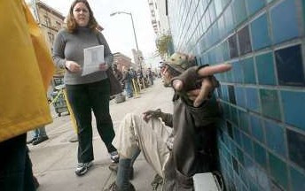 Jackie Horne walks the streets of San Francisco talking to the home to help find her missing sister Bridget Pendell.