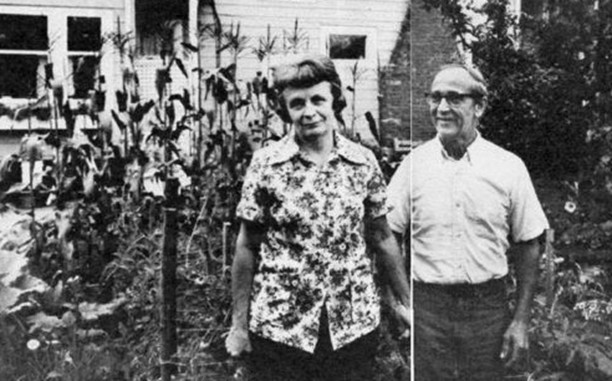 "Ted Bundy's parents Eleanor ""Louise"" Cowell and John Bundy."