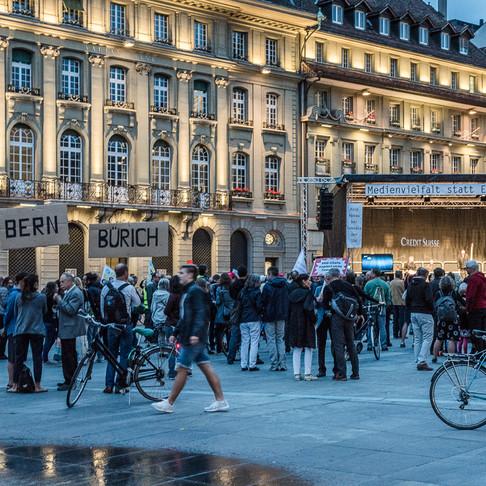 Protestaktion Pro Radiostudio Bern auf dem Bundesplatz