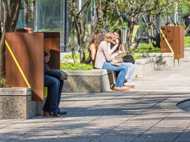 s'isoler dans l'espace public