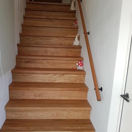 Treppe Treppenhaus Eiche massiv