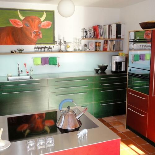 Küche Sperrholz rot und grün mit CNS-Abdeckung