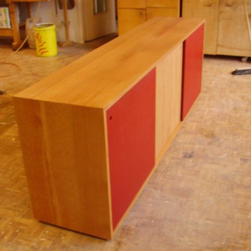 Sideboard Buche massiv, geölt, mit MDF- Schiebetüren