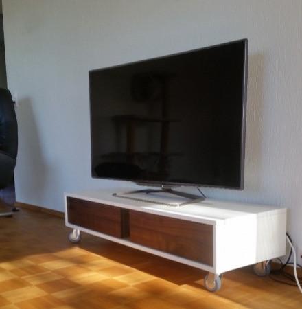 Fernsehmöbel Weiss Nussbaum