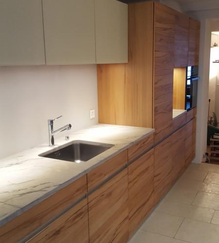 TEAM7 Küche Kernbuche Glas grau