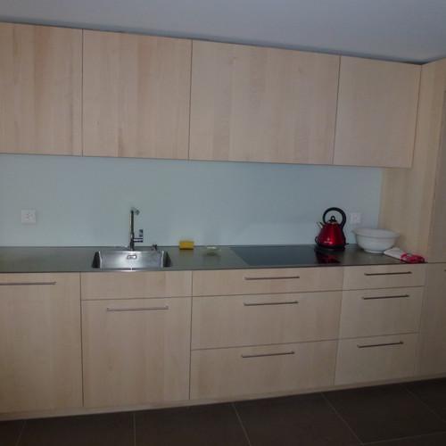 Küche Ahorn Dreischicht gelaugt und geseift mit CNS-Abdeckung