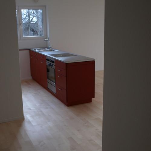 Küche MDF rot geölt mit CNS-Abdeckung