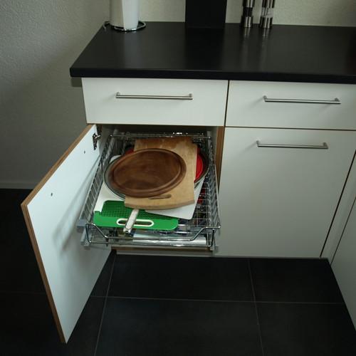 Küche Sperrholz weiss mit Steinabdeckung