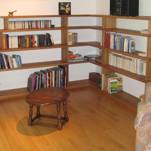 Büchergestell Eiche massiv, geölt