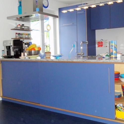 Küche Lino blau, Abdeckung Granit