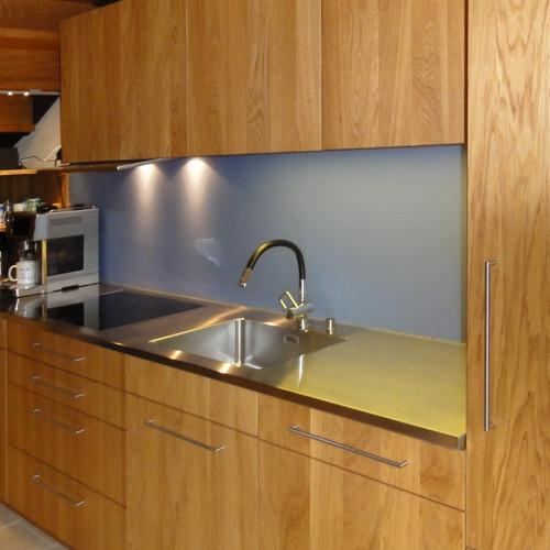 Küche Eiche Dreischicht geölt mit CNS- und Holzabdeckung