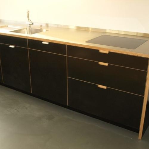 Küche Sperrholz schwarz mit Chromstahlabdeckung