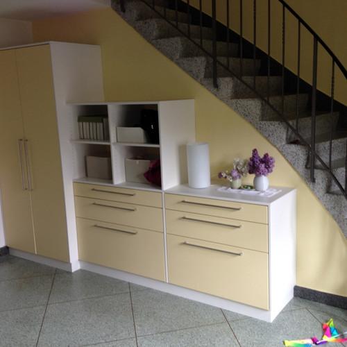 Stufenschrank Treppenhaus