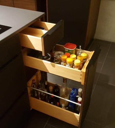 TEAM7 Küche Nussbaum Glas schwarz