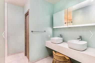 Alainn Bathroom 1.jpg