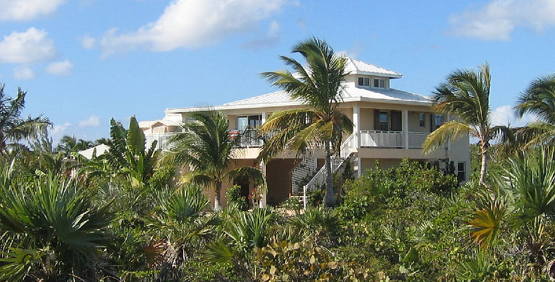 Casa de Isle is a luxury villa rental located in the southwest side of Providenciales, Turks and Caicos Islands.