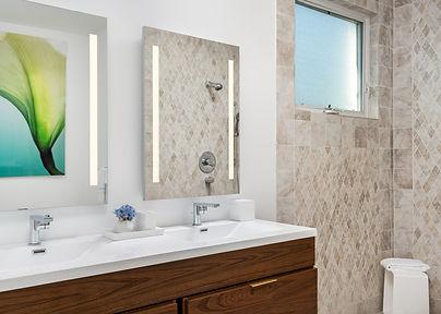 Footprints Bathroom 3.5.jpg