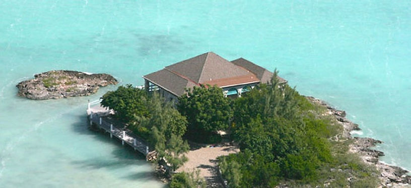 Rockspray is a luxury villa rental located on the island of Providenciales, Turks and Caicos Islands.