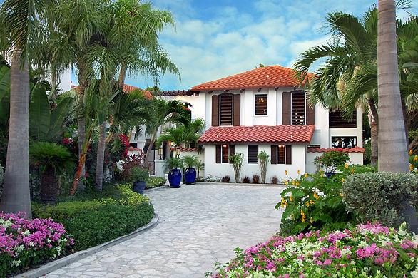 Casa Grande is a 5 bedroom luxury villa rental located on Providenciales, Turks and Caicos Islands.